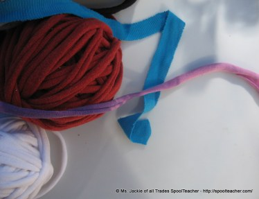 T-shirt yarn, tarn, pulled to stretch and elongate